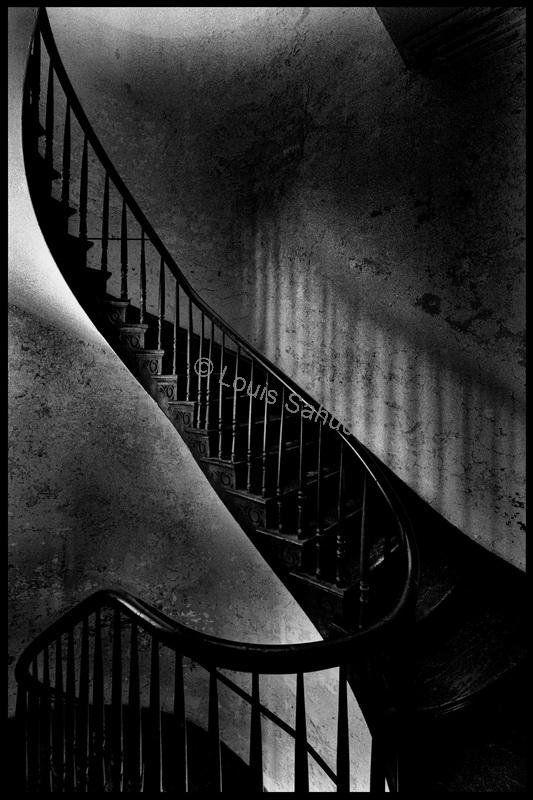 Staircase at 515 St. Ann #2.jpg