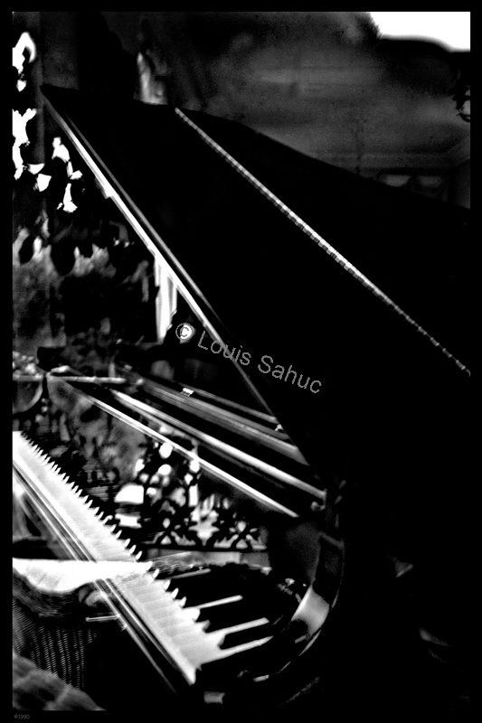 Glo's Piano.jpg